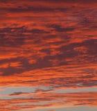 Céu vermelho dramático Fotos de Stock