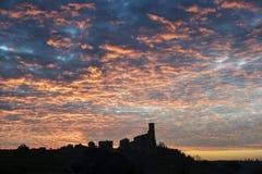 Céu vermelho sobre Tuscania fotos de stock royalty free