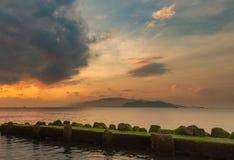 Céu Vietname do nascer do sol da baía de Nha Trang Fotos de Stock
