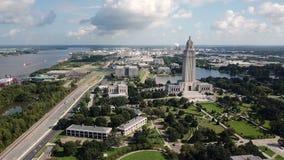 Céus azuis no capital de estado que constrói Baton Rouge Louisiana filme