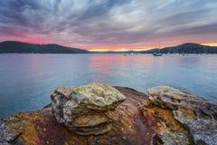 Céus do nascer do sol sobre o foreshore de Brooklyn imagem de stock royalty free