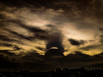 Céus do por do sol imagens de stock royalty free