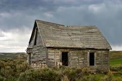 Céus tormentosos da casa do fantasma Fotografia de Stock