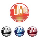 Círculo Dawn Skyscraper Cityscape en el logotipo del agua ilustración del vector