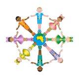 Círculo de diversas razas de los niños felices libre illustration