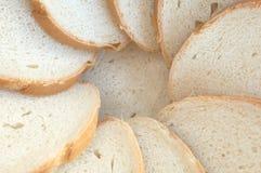 Círculo de las rebanadas blancas del pan Fotografía de archivo