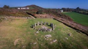 Círculo de pedra de Drombeg da vista aérea Cortiça do condado ireland fotos de stock royalty free