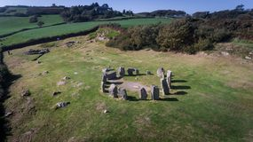 Círculo de pedra de Drombeg da vista aérea Cortiça do condado ireland foto de stock royalty free