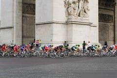 Círculo final Tour de France, Paris, França Competições de esporte Peloton da bicicleta Imagens de Stock