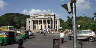 Círculo principal da câmara municipal de Bangalore imagens de stock