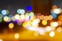 Círculos coloridos do bokeh das luzes da cidade da noite foto de stock royalty free