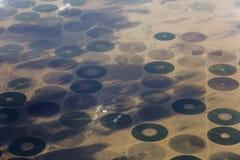 Círculos de la cosecha en el desierto fotografía de archivo libre de regalías
