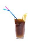 Cóctel alcohólico con cola y limon Imágenes de archivo libres de regalías