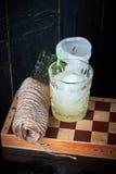 Cóctel alcohólico con las bayas imagenes de archivo