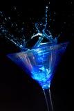 Salpicar Martini azul Foto de archivo libre de regalías