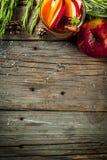 Cóctel caliente con la manzana, romero, canela Fotografía de archivo