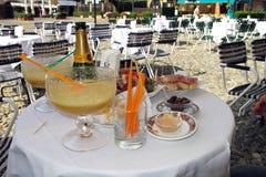 Cóctel clásico de Bellini en Portofino, Italia fotos de archivo