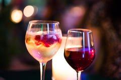 Cóctel con sabor a fruta del champán foto de archivo libre de regalías