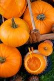 Cóctel de Halloween en calabaza Cierre para arriba Visión superior Día de la acción de gracias, sacador del partido Fotos de archivo libres de regalías