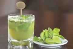 Cóctel de la bebida de la cal de Mojito Fotos de archivo