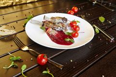 Cóctel de las bebidas del postre de las verduras de las pastas de las verduras del plato de la delicadeza de la carne de la comid imagenes de archivo