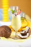 Cóctel del plátano con leche de coco Fotos de archivo libres de regalías