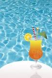 Cóctel en piscina Imágenes de archivo libres de regalías