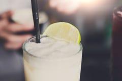 Cóctel espumoso del colada del pina del coco, primer Foto de archivo