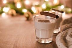 Cóctel hecho en casa de la yema para la Nochebuena Imágenes de archivo libres de regalías