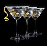 Cóctel martini en un negro Imagen de archivo