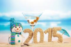 Cóctel, muñeco de nieve y muestra del Año Nuevo Imagenes de archivo