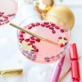 Cóctel rosado para la Navidad Imagen de archivo