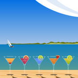 Cócteles en la playa Ilustración del Vector