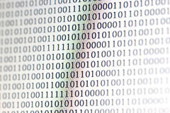 0,1, código binário no computador do diodo emissor de luz Imagens de Stock