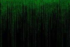 Código binário verde no fundo preto Imagens de Stock