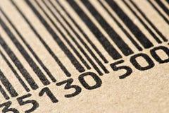 Código de barras impreso en una caja de cartón foto de archivo libre de regalías