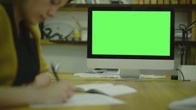 Código de la escritura para el ux en el papel view1 Pantalla para