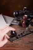 Código Morse que golpea ligeramente Fotos de archivo libres de regalías