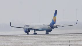 Cóndor Boeing 757-300 D-ABOB que sacan del aeropuerto de Munich metrajes