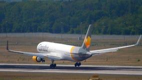Cóndor Boeing 767 que se acerca metrajes