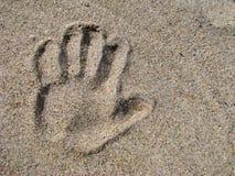 Cópia da mão na areia Fotos de Stock Royalty Free