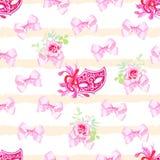 A cópia sem emenda pastel listrada do vetor com curvas cor-de-rosa do cetim, aumentou Foto de Stock Royalty Free