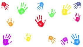 Cópias coloridas da mão isoladas no branco filme