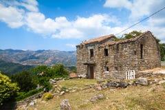 Córcega, casa de piedra abandonada vieja Zerubia Imagen de archivo