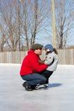 córka ojciec lodowa łyżwa jak target467_1_ Obraz Royalty Free