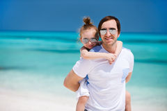 córka plażowy ojciec Fotografia Stock