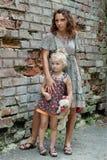 córka plenerowa jej matka Zdjęcie Royalty Free