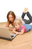 córki laptopu matka zdjęcie royalty free