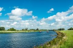 Córrego com os iate de prazer da navigação Foto de Stock Royalty Free