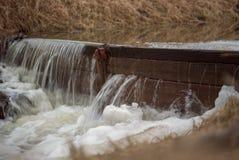 Córrego da água fotografia de stock royalty free
